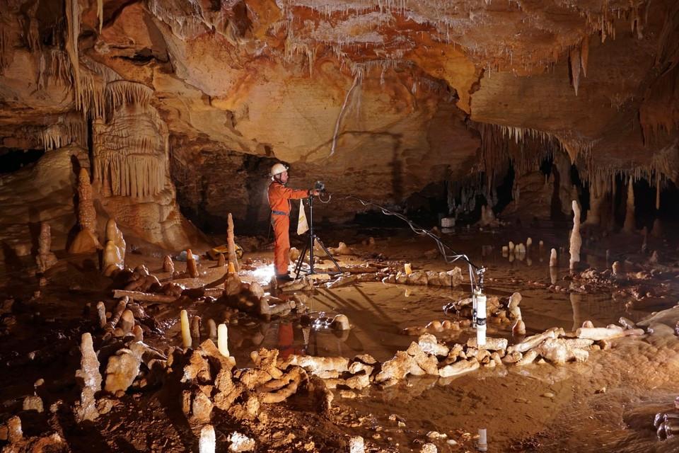 Bruniquel Cave